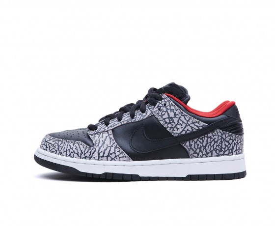 Supreme x Nike Dunk Low SB Black Cement - 1